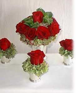 Cervena svatba 8. cervna 2006 - Ty male jsou moc pekne jako dekorace na stul.