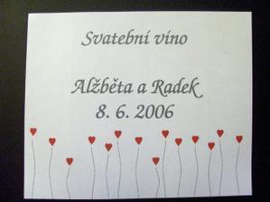 samolepici etiketa na vino