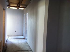 pohlad z garaze do chodby