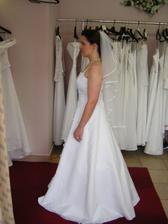 šaty 2, z boku