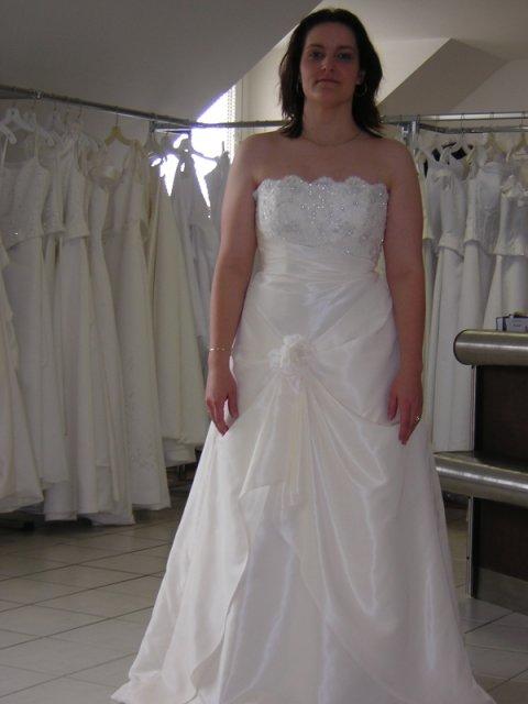 Kubko a Dzinko - šaty 3, tieto vyzeraju velmi pekne, ale zalezi od uhlu pohladu