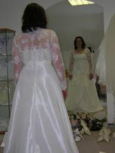 šaty 3, kufor uz mam zbaleny, mozem ist na dovolenku, ale ten obraz v zrkadle sa mi paci