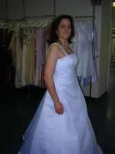 šaty 5, zboku nevyzeraju bohvieako, a ze sa viem pekne tvarit?