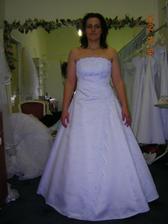 šaty 11, tiieto boli tiez pekne a uzasne vyzeraju na fotkach