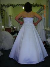 šaty 13, zo zadu klasika