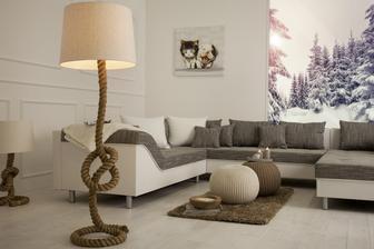 Stojanová lampa Knot v obývačke