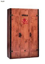 Black Pirate, 3-dverová skriňa