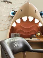 Black Pirate písací stôl žralok so svietiacimi zubami