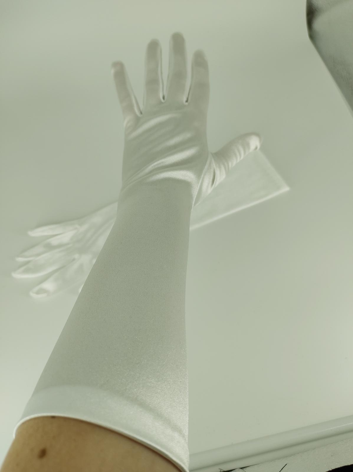 Biele rukavičky - Obrázok č. 1