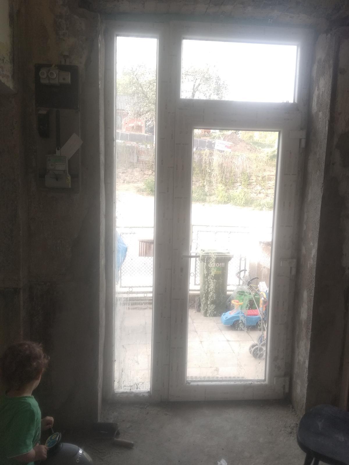 Náš boj - Cez týždeň som omietla dvere :)