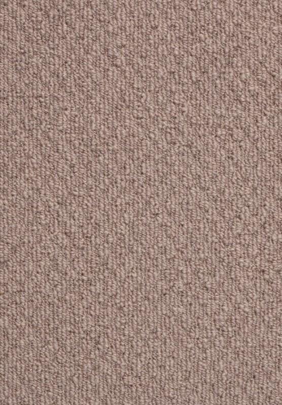 Náš boj - No a keďže už pred pôrodom nestíhame meniť tie podlahy ktoré sú aspoň trochu funkčné, do obyvako-spalne pôjde zatiaľ na staré prkná tento celoplošný vlnený koberec 🤷