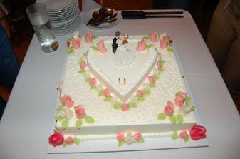 Noční svatební dort, každému moc chutnal