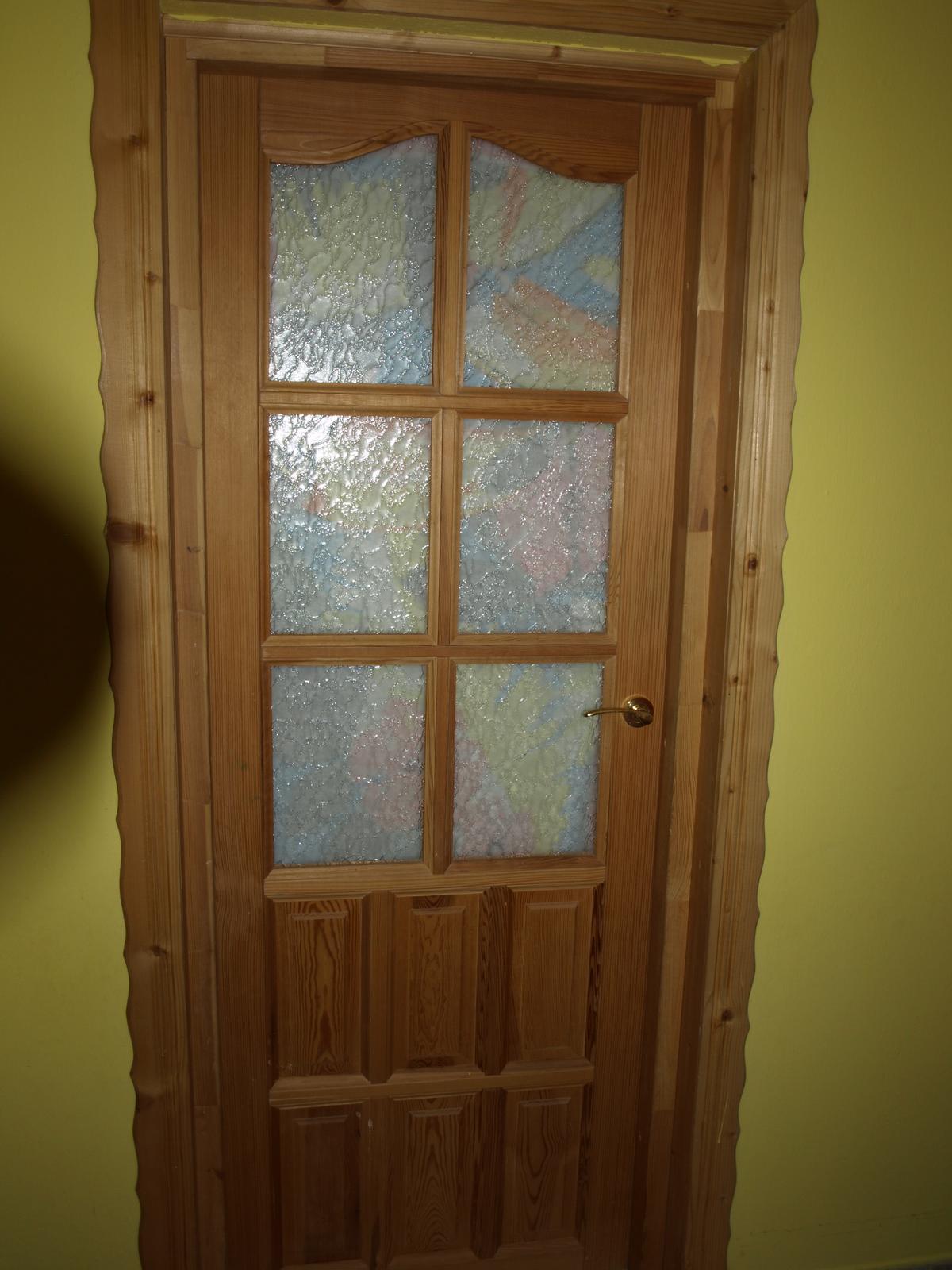 Drevené dvere presklené so zárubnou a klučkou - Obrázok č. 2