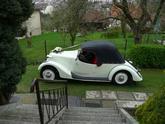 Když poprchává, vypadá auto takto.