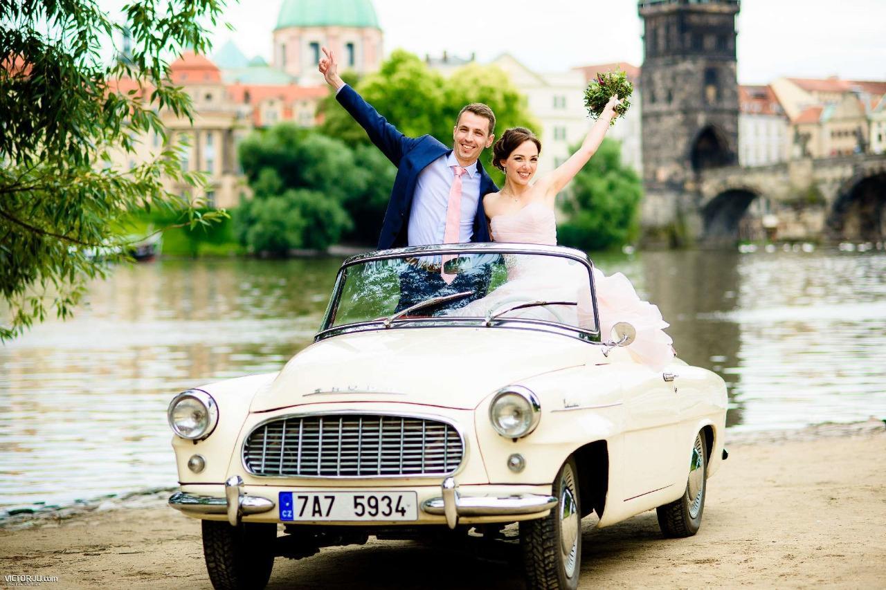 Veteránem na svatbu - Škoda Felicia 1960