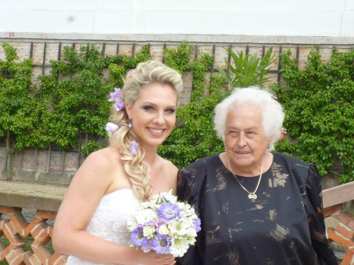 Martina{{_AND_}}Kieran - Zatim prvni fotky od tety -tady jsem s babickou :)