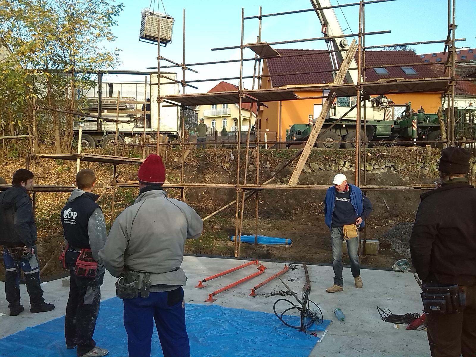 Nova 77 - Kým čakáme skladá sa aspon stavebný materiál