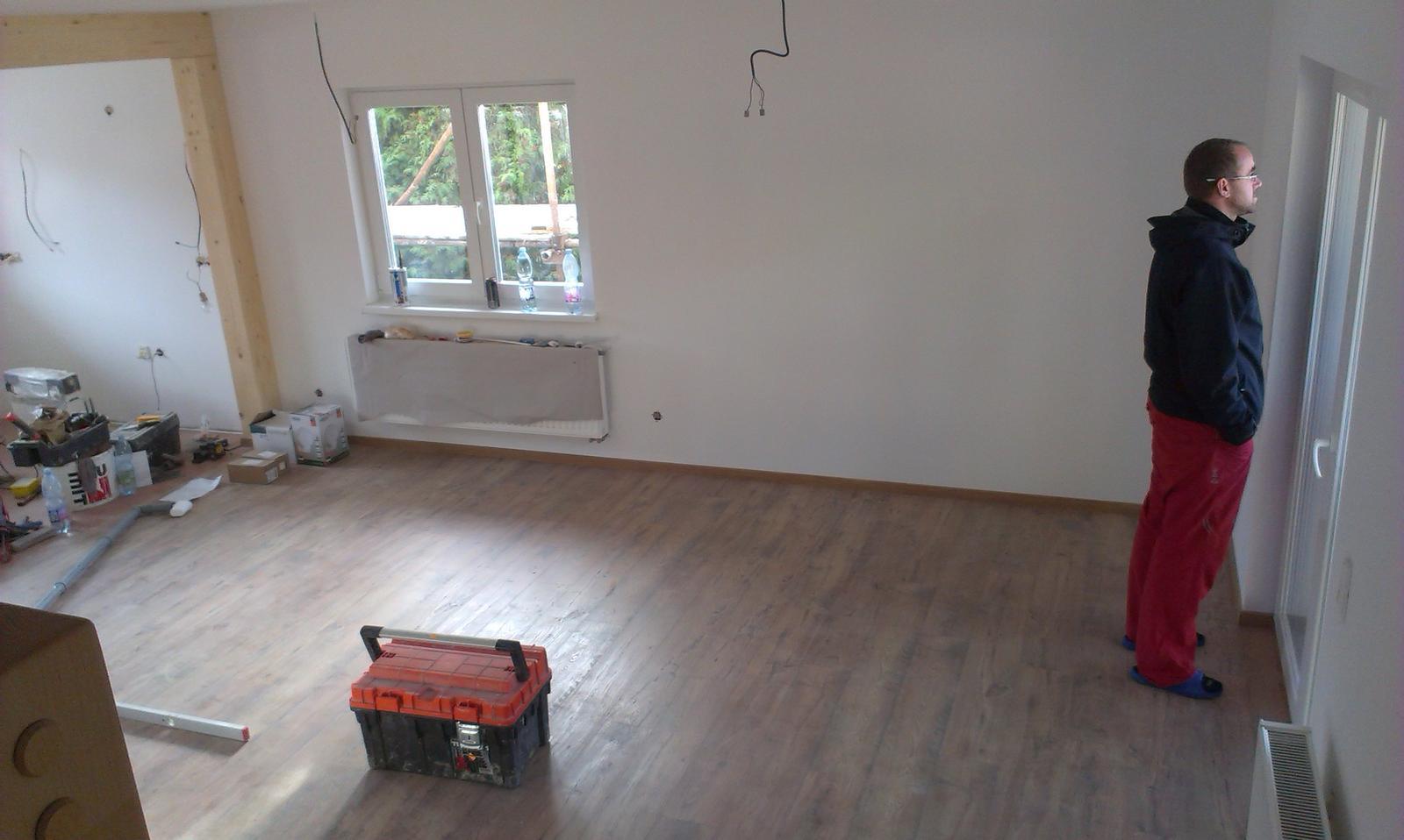 Nova 77 - 11.deň montáže - finišujeme - dokončujú sa detaily a upratovanie okolo domu