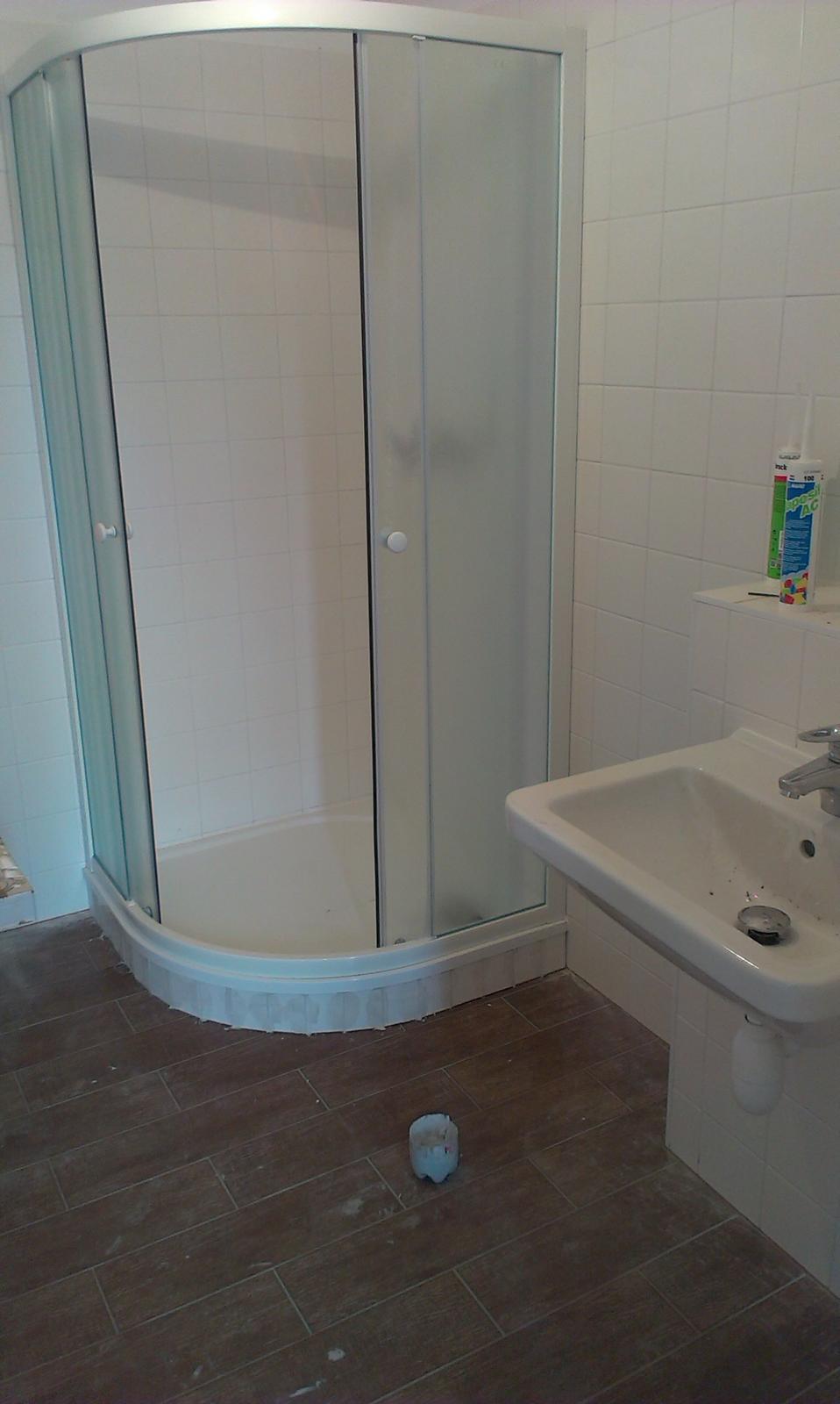Nova 77 - dolná kúpelňa
