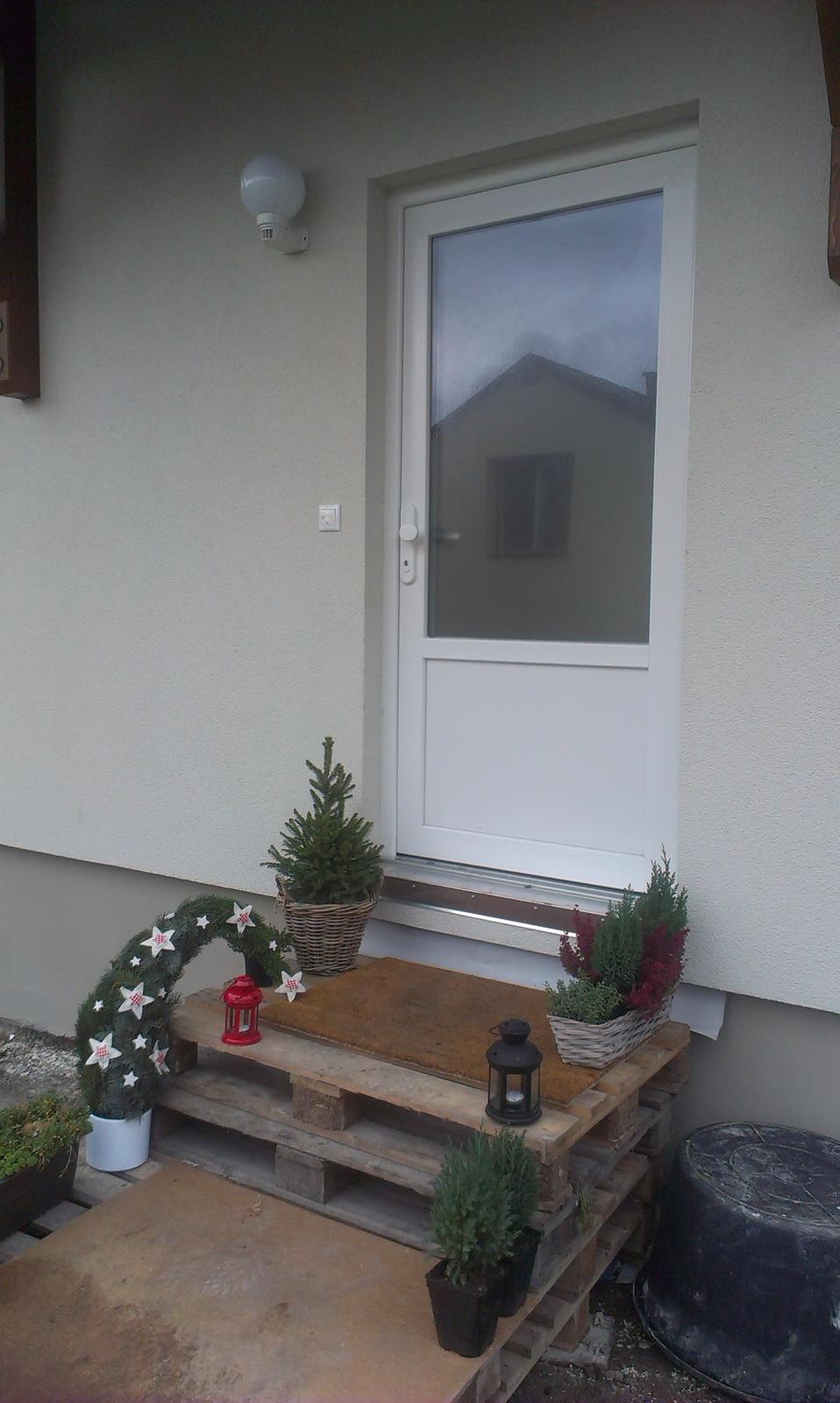 Nova 77 - Paletový chodník vo vianočnom :-)