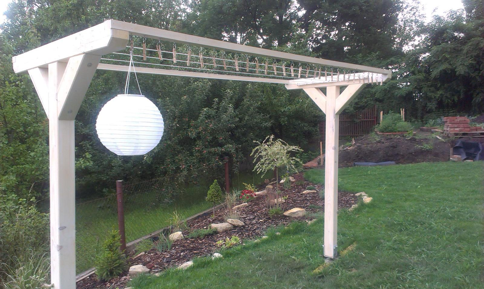 Záhrada - kompletka, už periem prvú várku na testovaciu jazdu...
