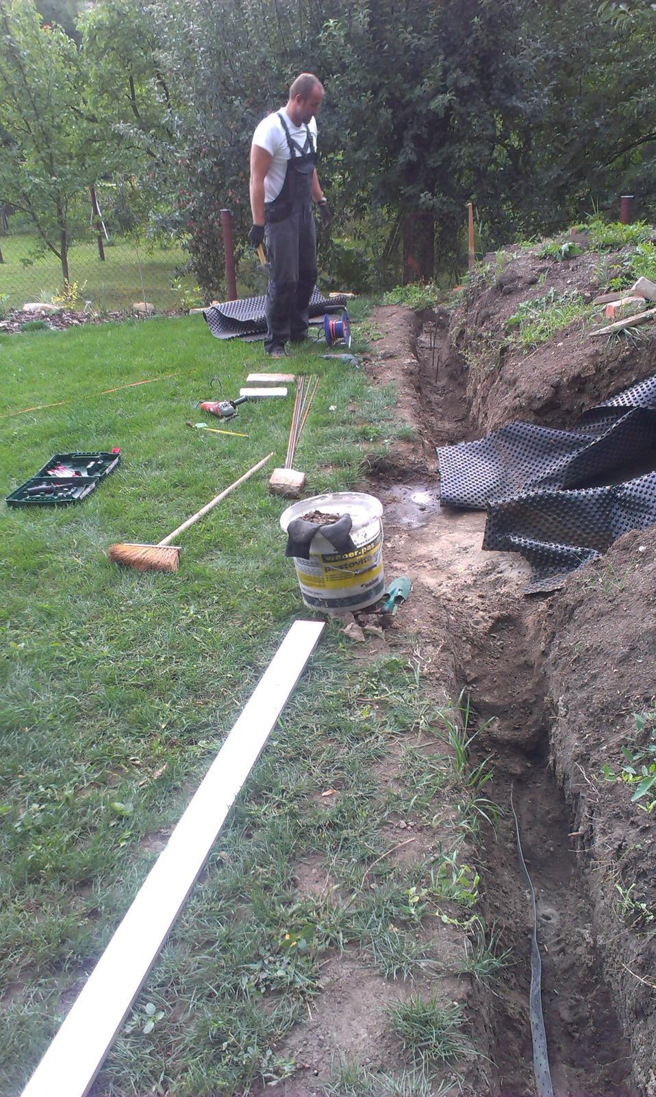 Záhrada - príprava debnenia