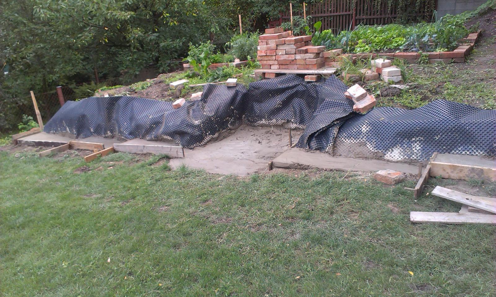 Záhrada - aká krásna pracovná nedeľa :-)