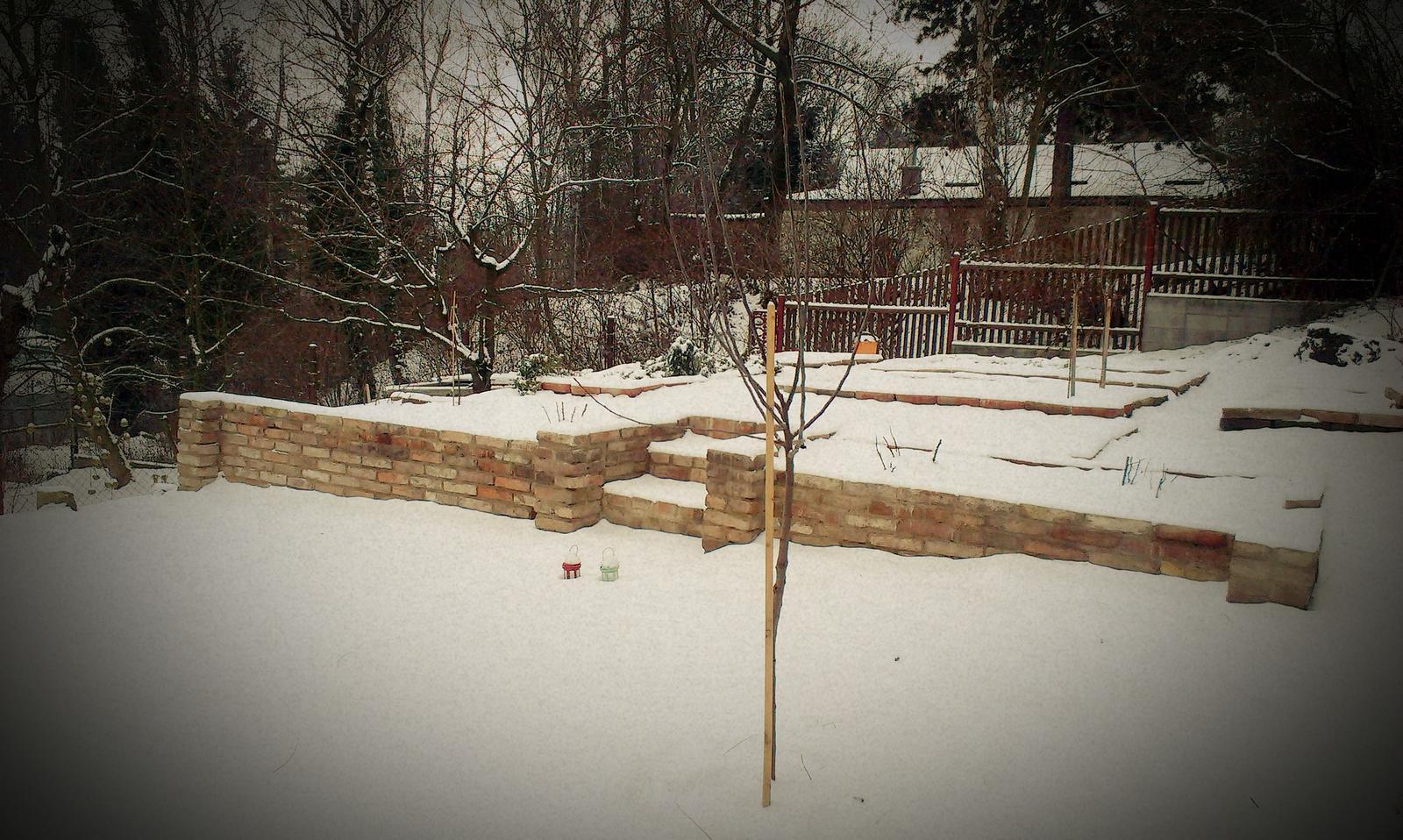 Záhrada - Zimná verzia našej záhrady