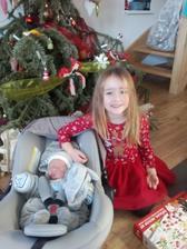 Tak sme si doniesli z porodnice najnovsiu módní vychytavku do domu - Jakuba :-))))