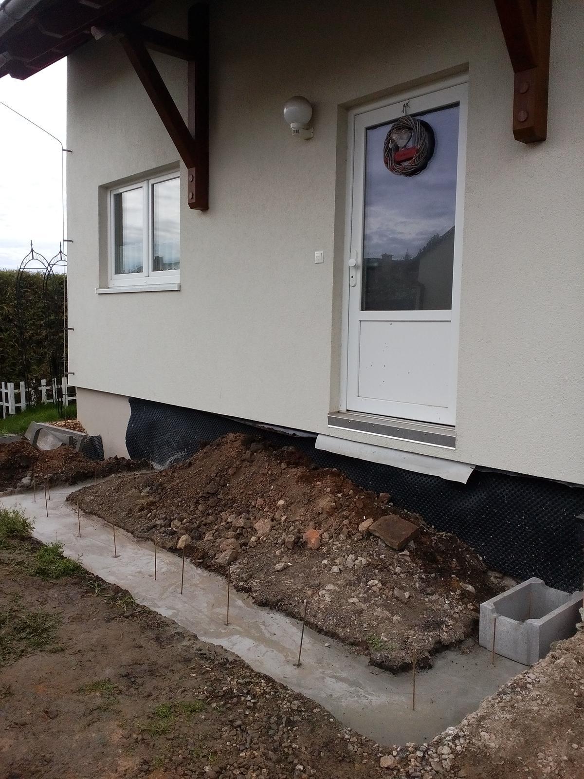 Schody do domu - projekt r.2016 - No základ ako pod domom, tie schody nás preziju