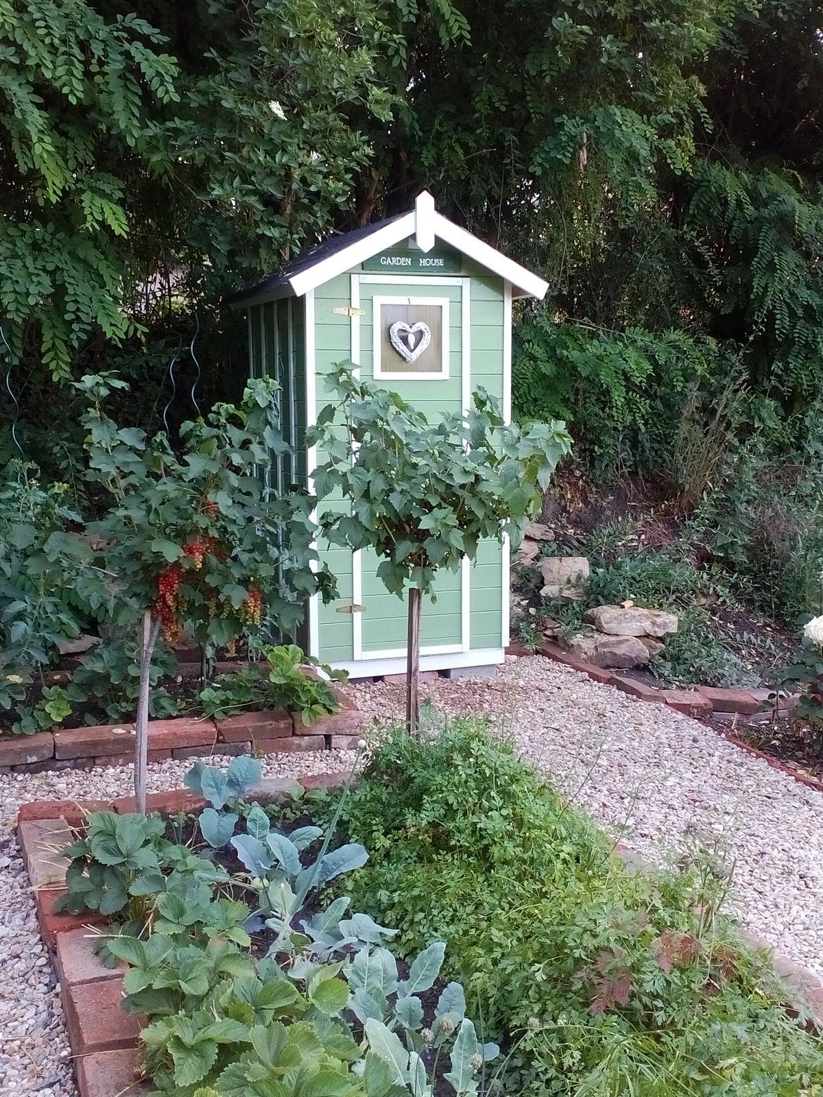 Ako kadibúdka povýšila na zahradný domček - Obrázek č. 16