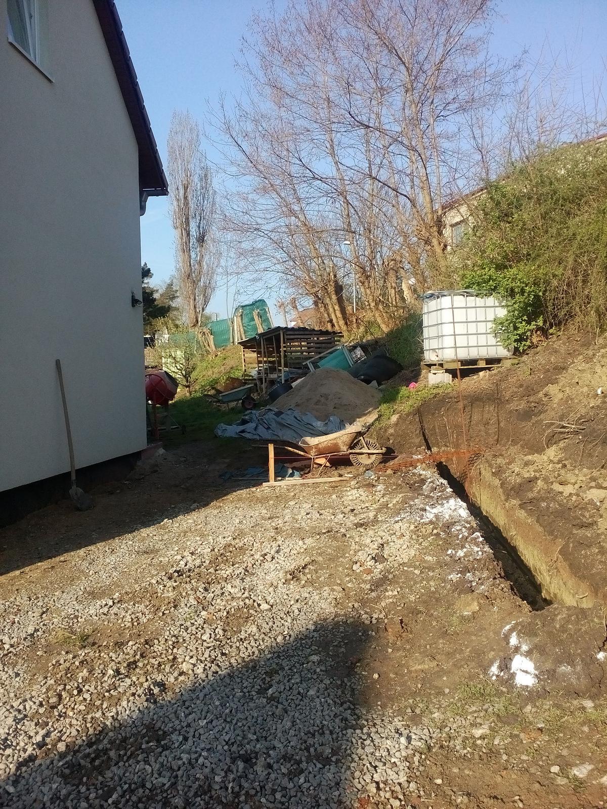 Garážové stánie - projekt r. 2017 - Obrázek č. 6