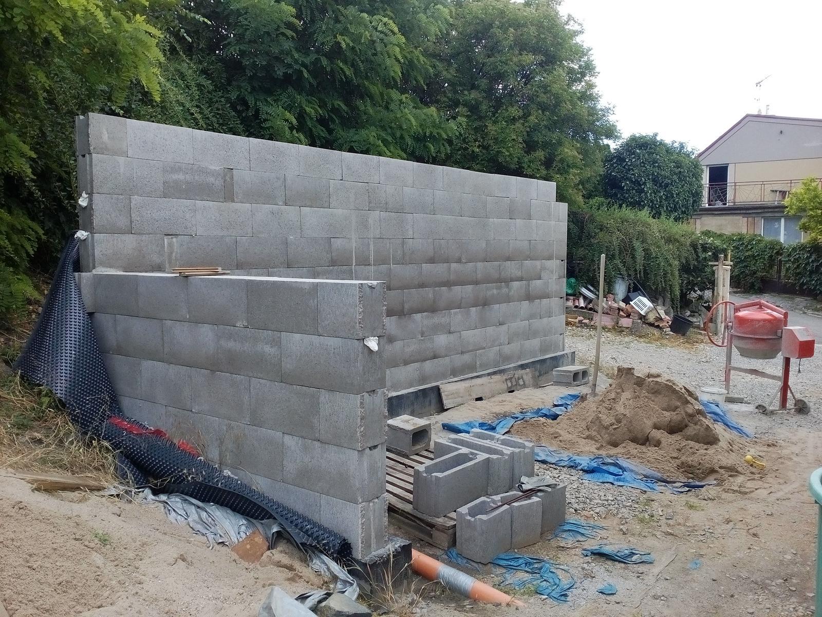 Garážové stánie - projekt r. 2017 - Obrázek č. 14