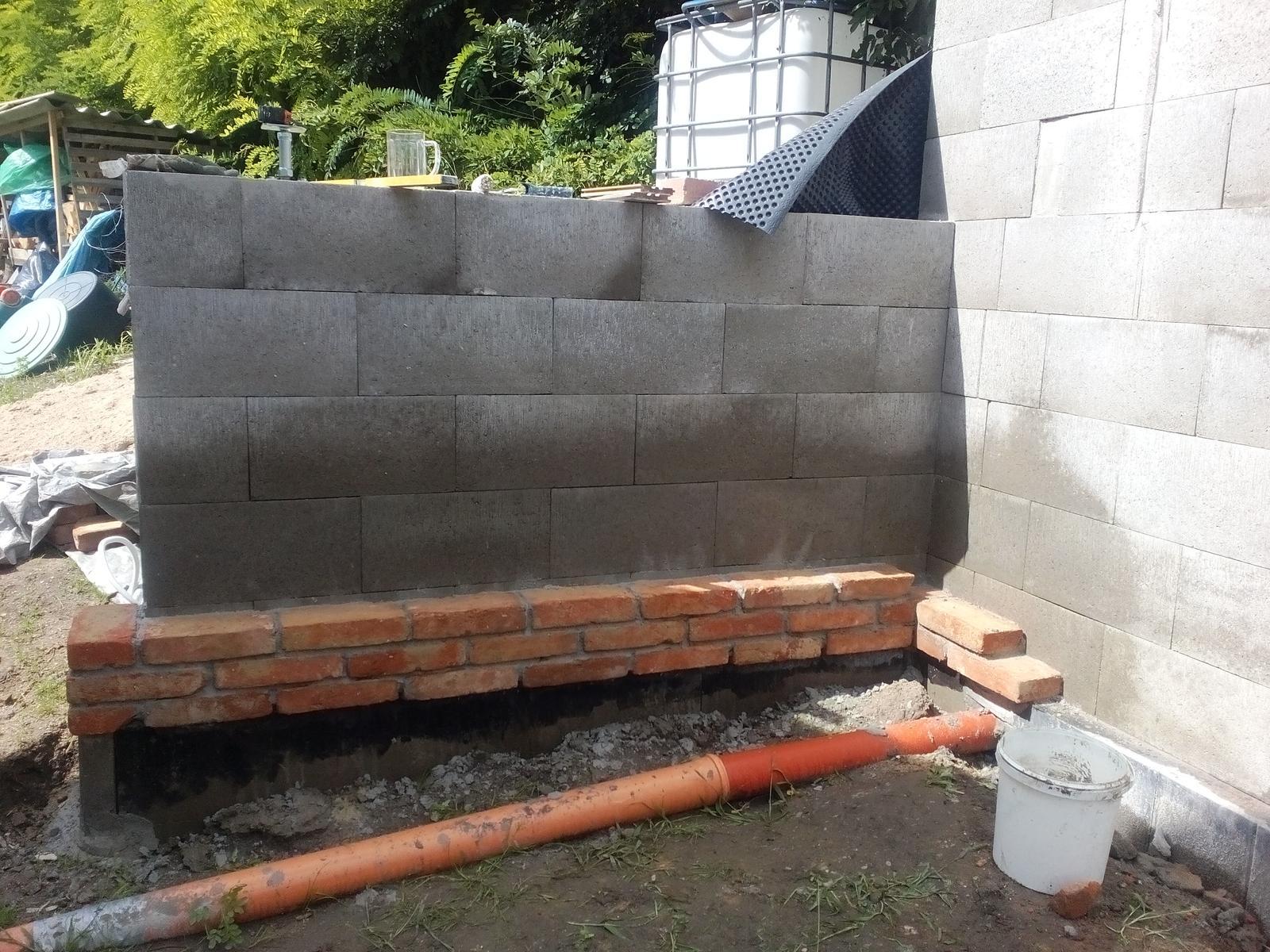 Garážové stánie - projekt r. 2017 - Niekde sa začať musí...