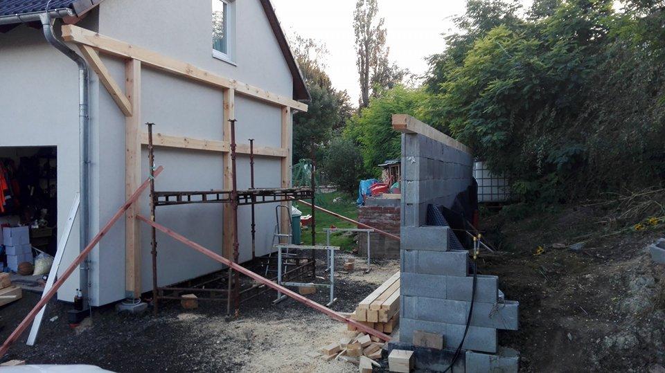 Garážové stánie - projekt r. 2017 - Na konci 3.dňa montáže