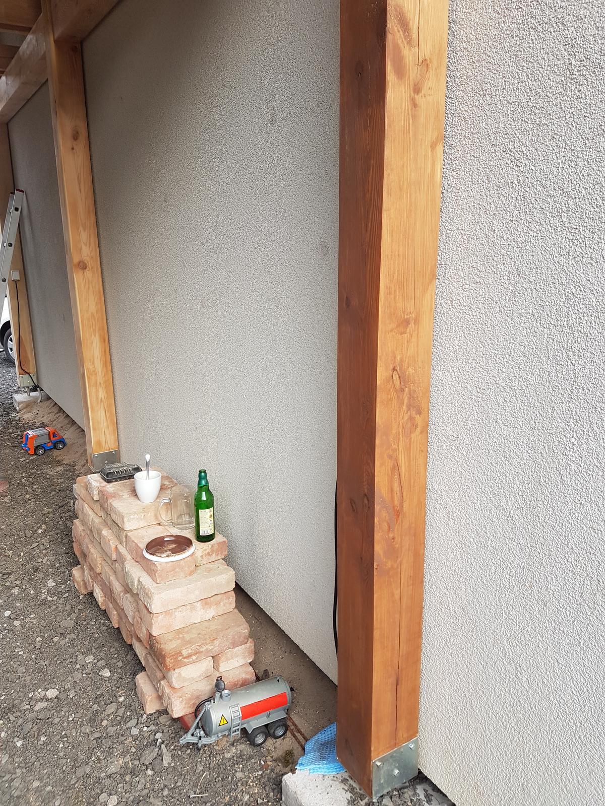Garážové stánie - projekt r. 2017 - Z borovice robime orech 😉😁