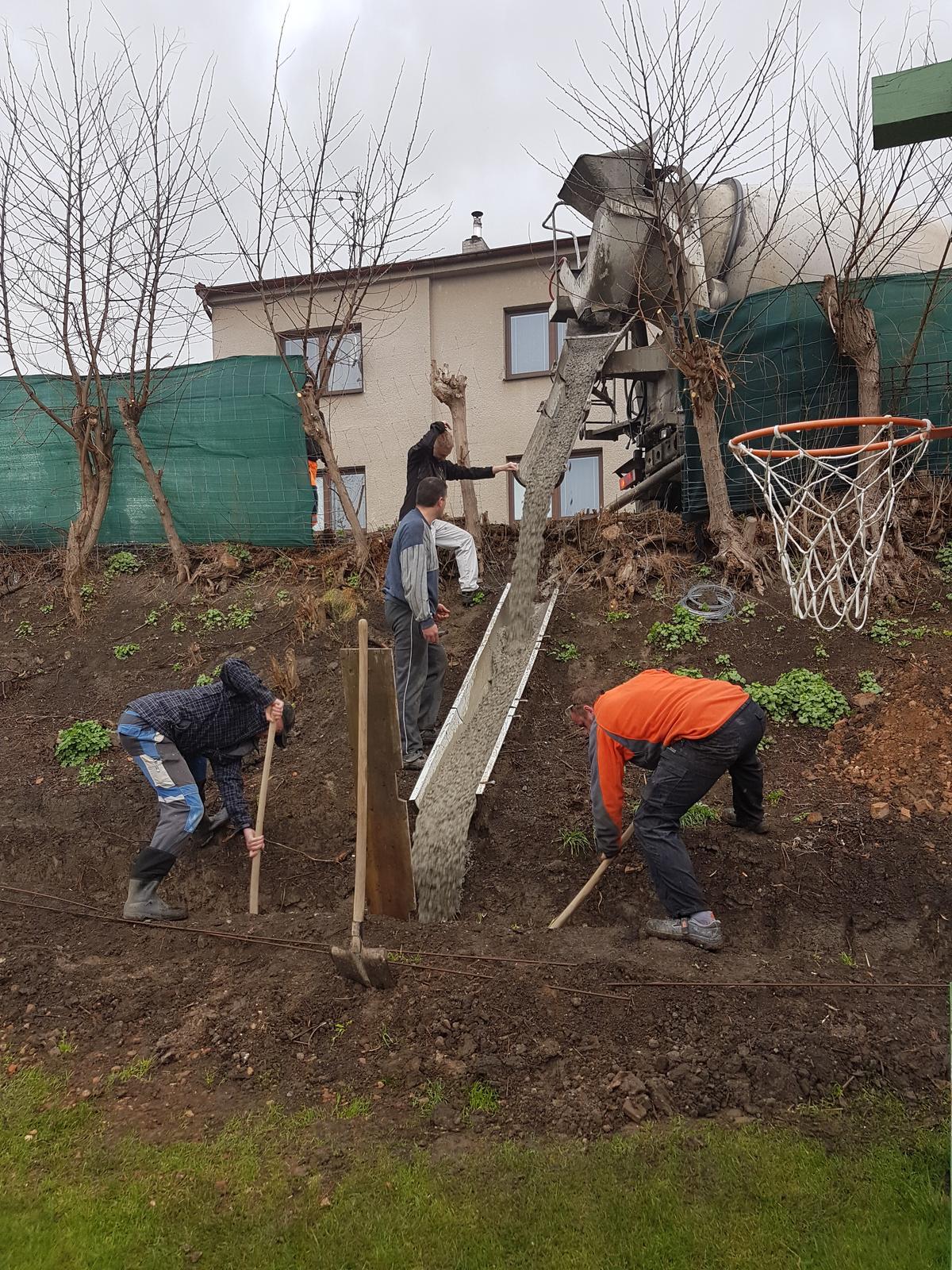 Drevník a kafé kútik - projekt roku  2018 - Zaklady časť 1.