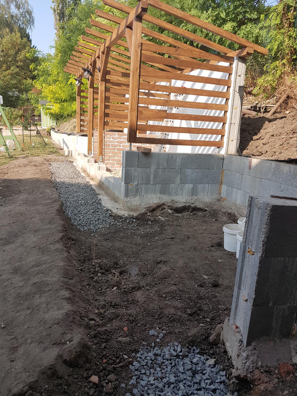 Drevník a kafé kútik - projekt roku  2018 - Obrázek č. 69
