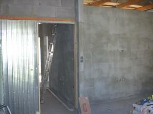 Stavební pouzdro usazeno, už je i natáhnuté, ale zatím není foto.