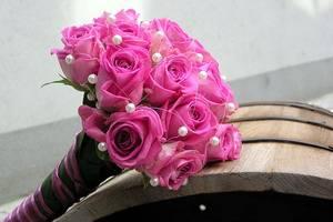také pěkná...akorát já chci jemně růžovou v kombinaci se sněhobílou...:-)