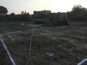 7.10.2014 - Dneska rano sa zacali vykopne prace :)