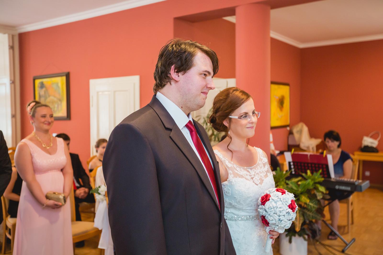 Janka{{_AND_}}Roman - knižná svadba - obrad sa mi veľmi páčil. Vila Košťálová bola správna voľba.
