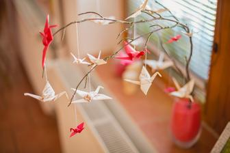 "jedna zo svadobných dekorácií - ""knižní jěřábi"" :)"