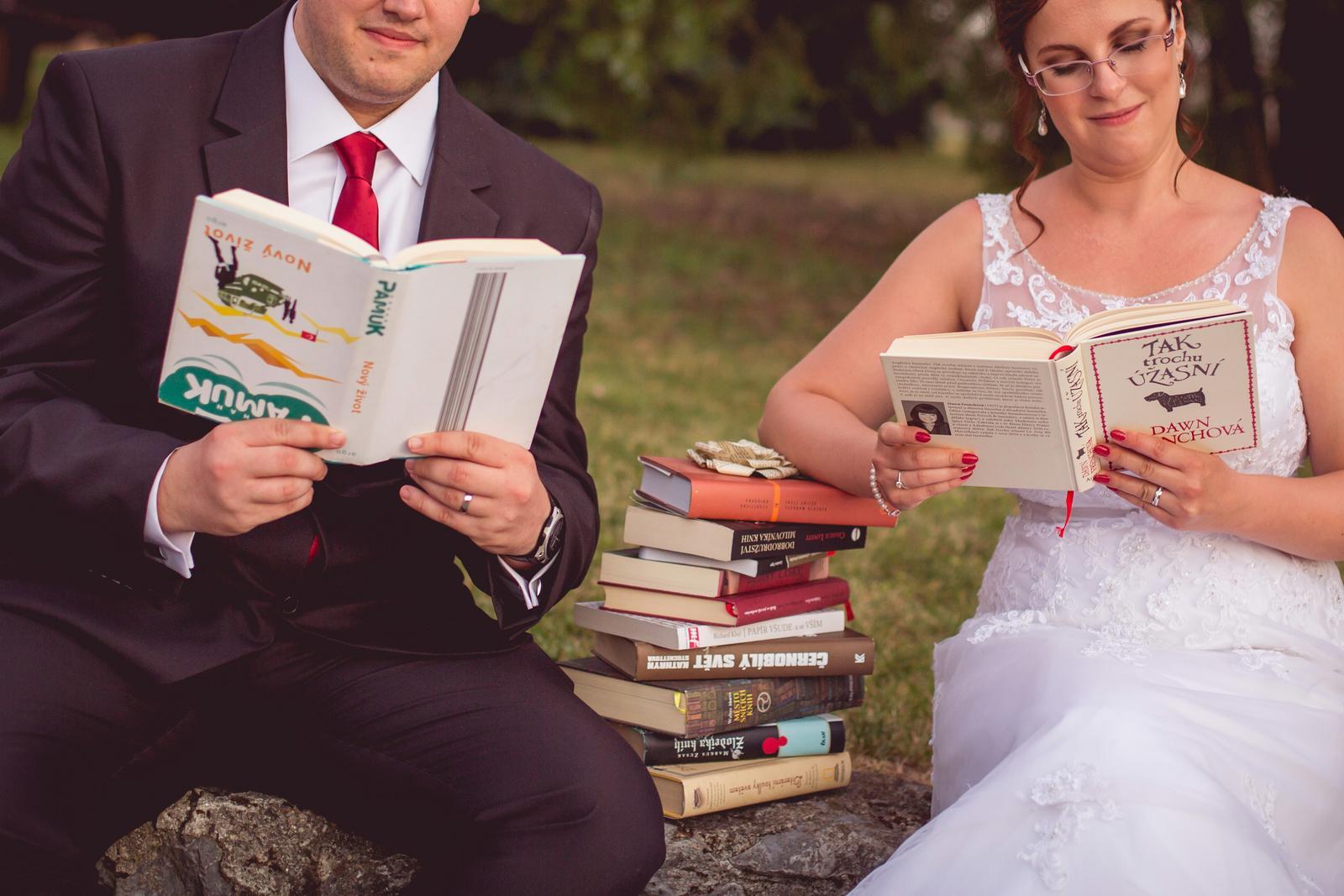 Janka{{_AND_}}Roman - knižná svadba - ženích čítanie poňal po svojom. :)