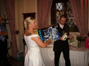 tak takhle vypadal můj ořech ve svatebních šatech:-)))