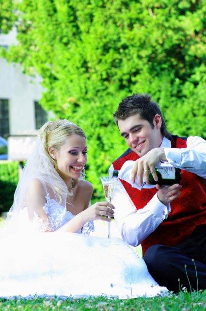 Umelecké foto zo svadby - Obrázok č. 7