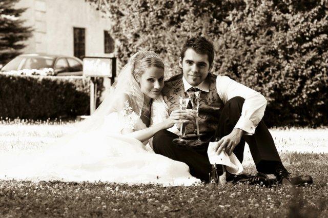 Umelecké foto zo svadby - Obrázok č. 8