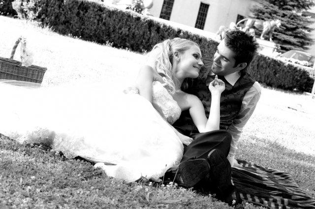 Umelecké foto zo svadby - Obrázok č. 9
