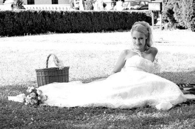 Umelecké foto zo svadby - Obrázok č. 11