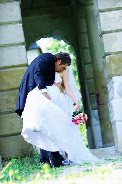 Umelecké foto zo svadby - Obrázok č. 18